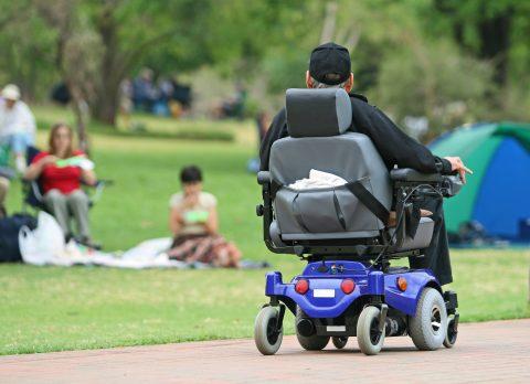 Elektrische rolstoel (foto iStock/Teichert)